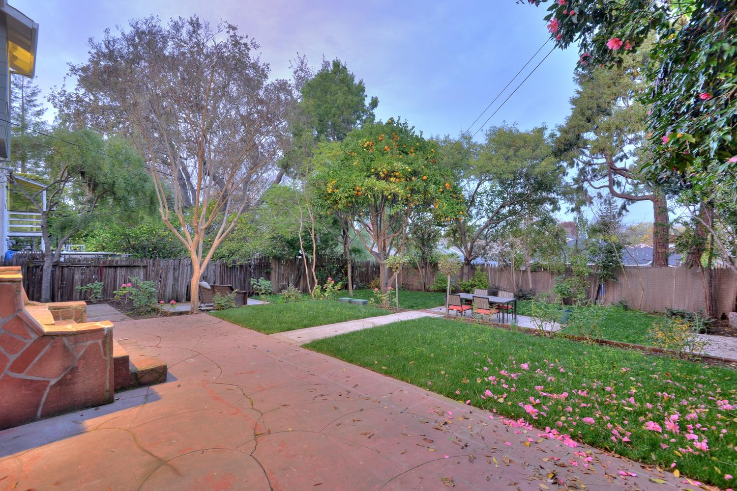 285 Nevada St Redwood City CA Large 029 Patio And Backyard 1499×1000 72dpi